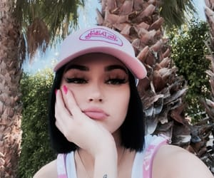 makeup and maggie lindemann image