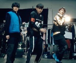 boys, gif, and kpop image