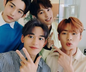 johnny, winwin, and chenle image