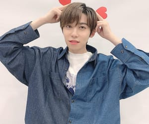 keon hee and oneus image