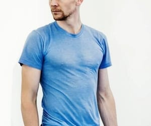 tom hiddleston and handhome image