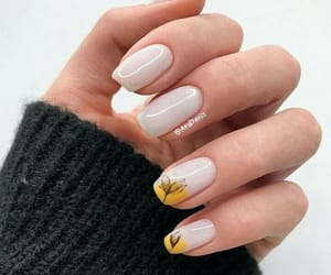 summer nails image