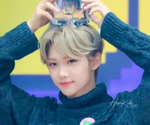 blonde hair, 이필릭스, and skz image