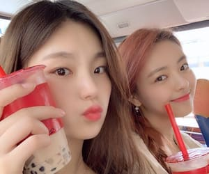 yuna, itzy, and yeji image