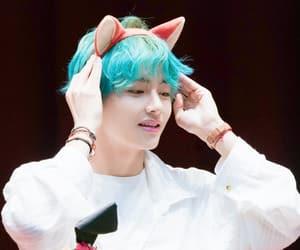 blue hair, bangtan, and taehyung image