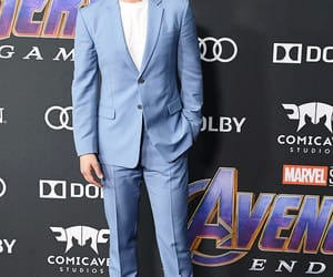 Avengers, world premiere, and Marvel image