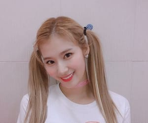blonde hair, 사나, and twice image