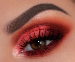 makeup and lashes image