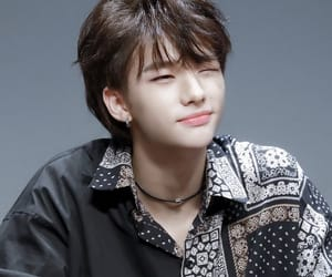 hyunjin, hwang hyunjin, and stray kids image