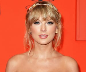 celebrities, fashion, and Swift image