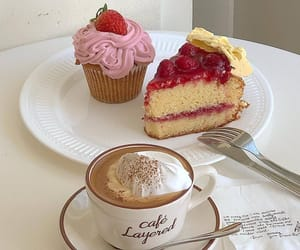 aesthetic, cake, and cupcake image