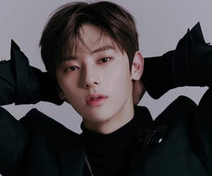 aesthetic, visual, and minhyun image