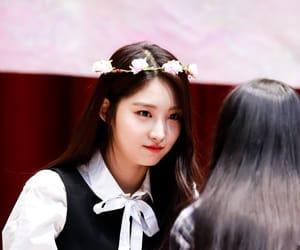 girl group, kim sihyeon, and idol image
