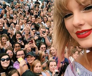 fans, nashville, and swifties image