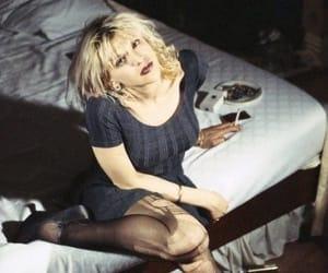 Courtney Love, hole, and grunge image