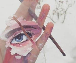 pink and eye image