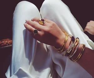 bracelet, jewelry, and earrigs image
