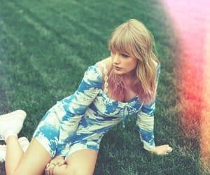 Taylor Swift and ts7 image