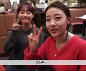 k-pop, yves, and sooyoung image