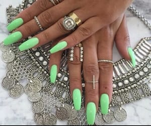 green, uñas, and verde image