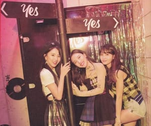 k-pop, momo, and chaeyoung image