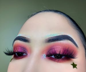 eye makeup, eyeshadow, and glitter image
