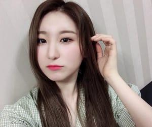 chaeyeon, kpop, and izone image