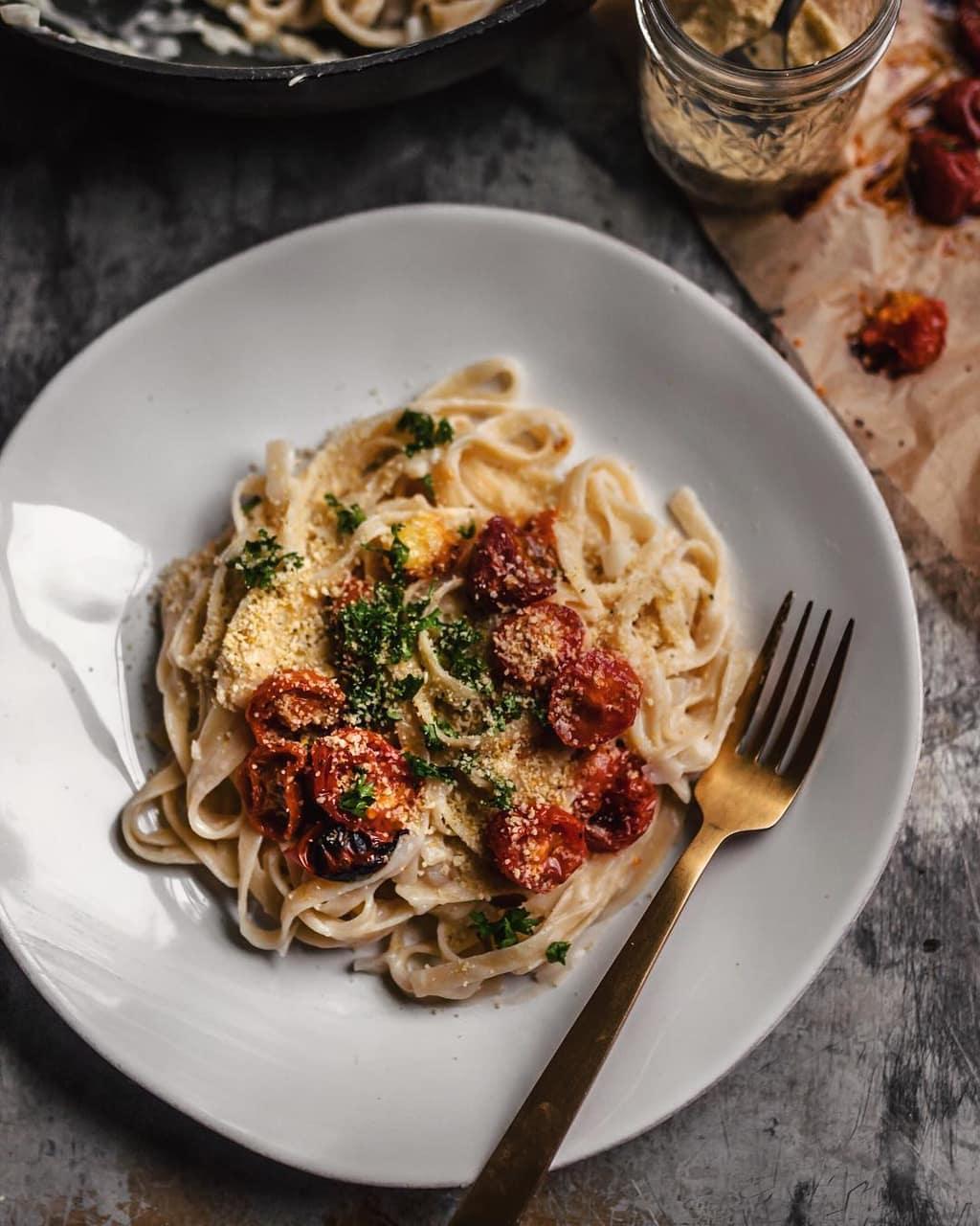 garlic, MISO, and pasta image
