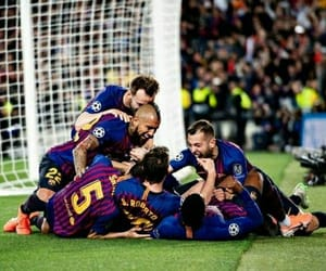 10, pique, and the king image
