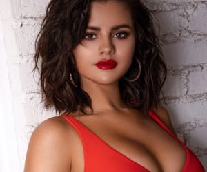 red, selena gomez, and ❤ image