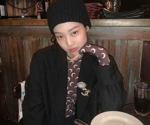 fashion, girls, and chaeyoung image