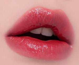 aesthetic, gloss, and lipstick image