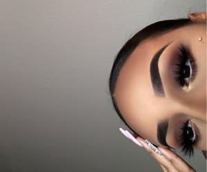 makeup, eyebrows, and baddie image