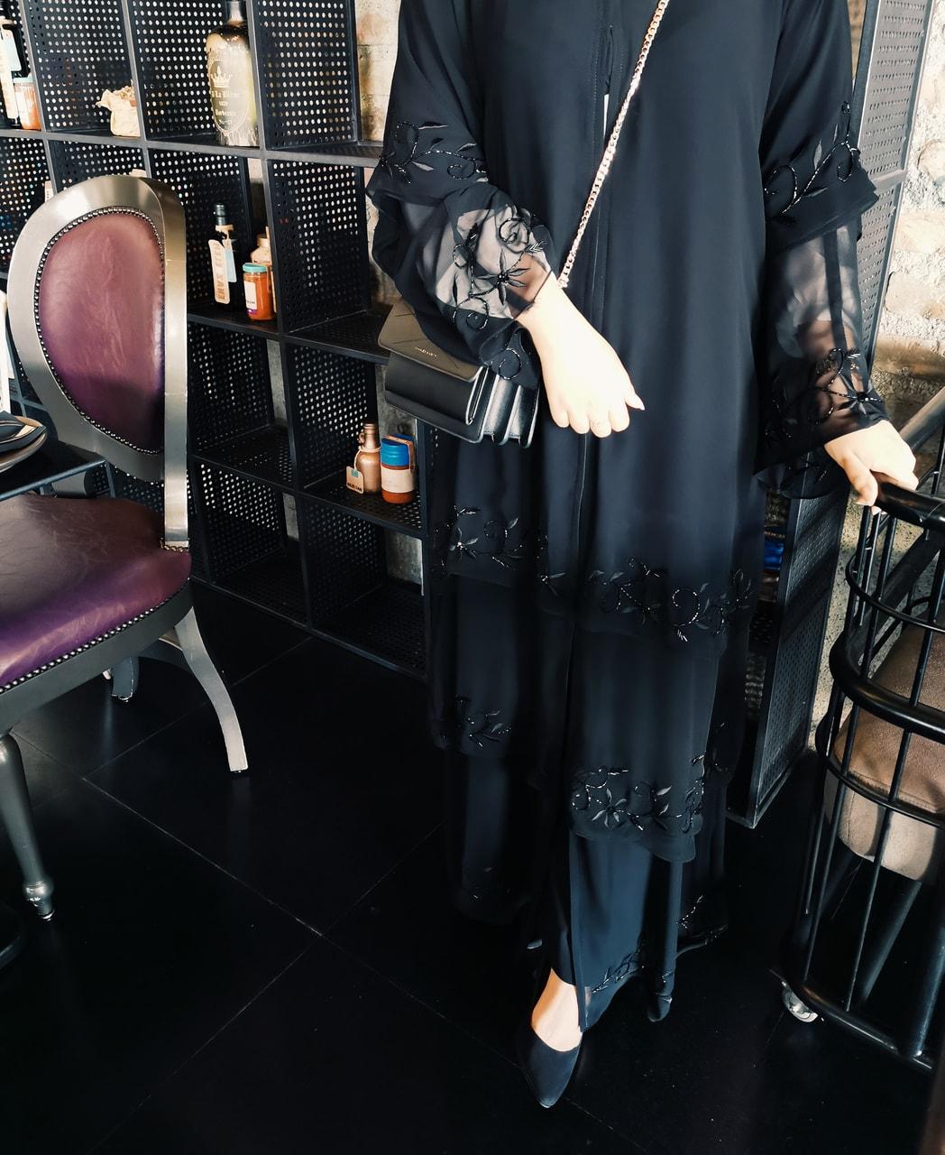 stylish, بنات خليجيات, and عبايه image
