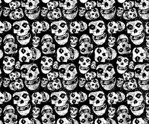 skull, background repeat, and cavera image