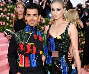 sophie turner, fashion, and Joe Jonas image