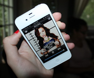 cher lloyd and iphone image