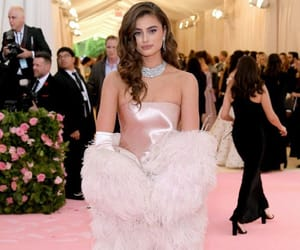 taylor hill, met gala, and model image