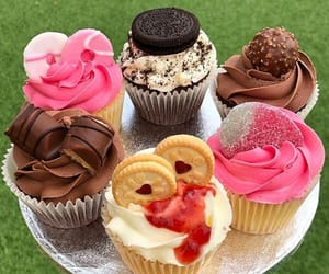 cupcakes, delicious, and dessert image