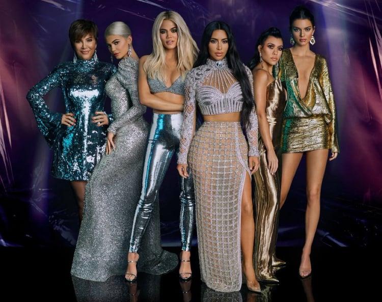 article and kardashian jenner image