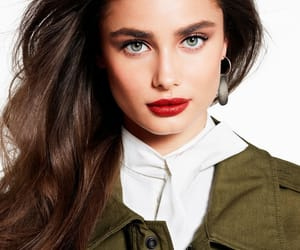 model, vogue, and taylor hill image