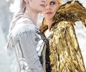 Emily Blunt, the huntsman, and queen freya image