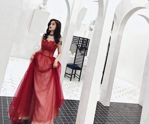 beautiful dress, burugndy dress, and evening dresses 2019 image