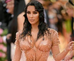 kim kardashian, met gala, and kardashian image