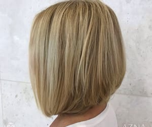 blonde, haircolor, and bobcut image