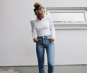 hairstyle and outfit image