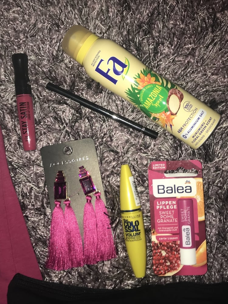 article, chill, and cosmetics image