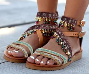 accessories, footwear, and jewlery image