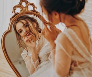 girl, mirror, and ﺭﻣﺰﻳﺎﺕ image