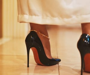 christian louboutin, girl, and louboutin image